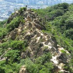 山の岩の色が街の色を作る・・・