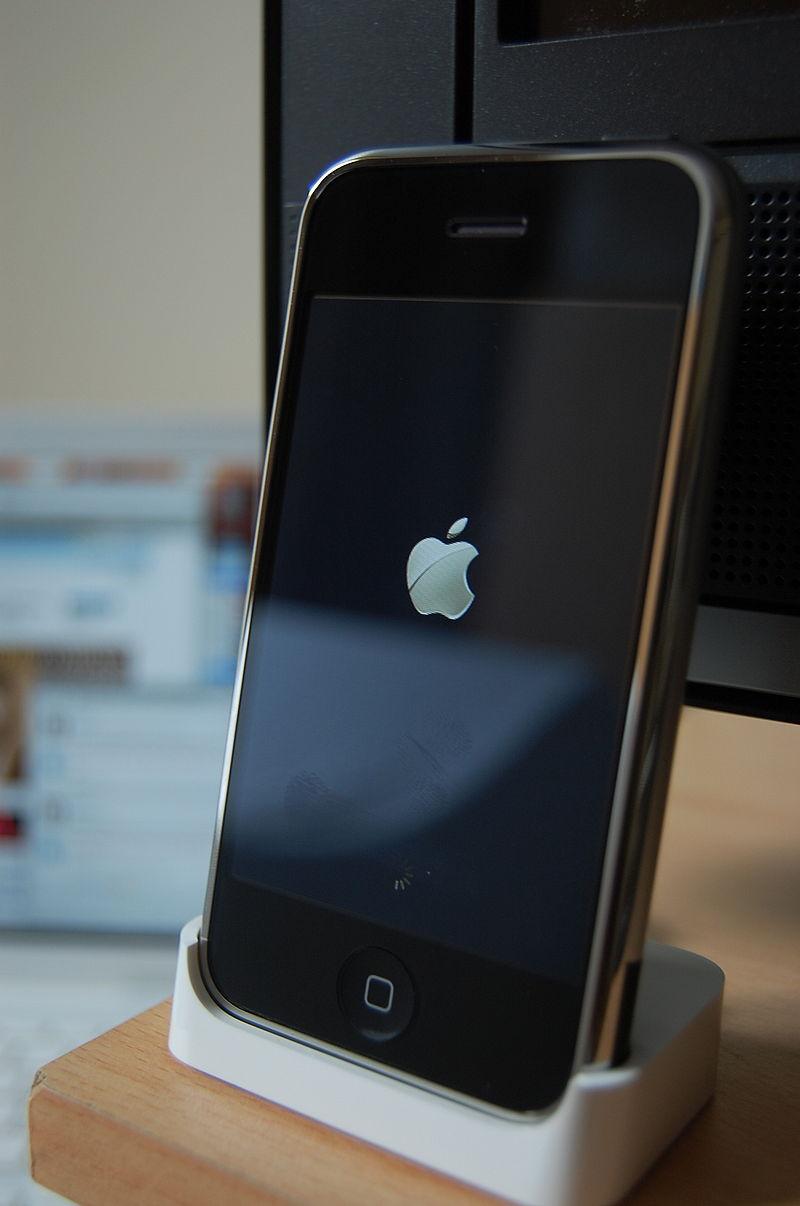 2007年に発売された初代iPhone