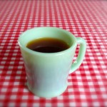 暑い季節に、熱いコーヒー