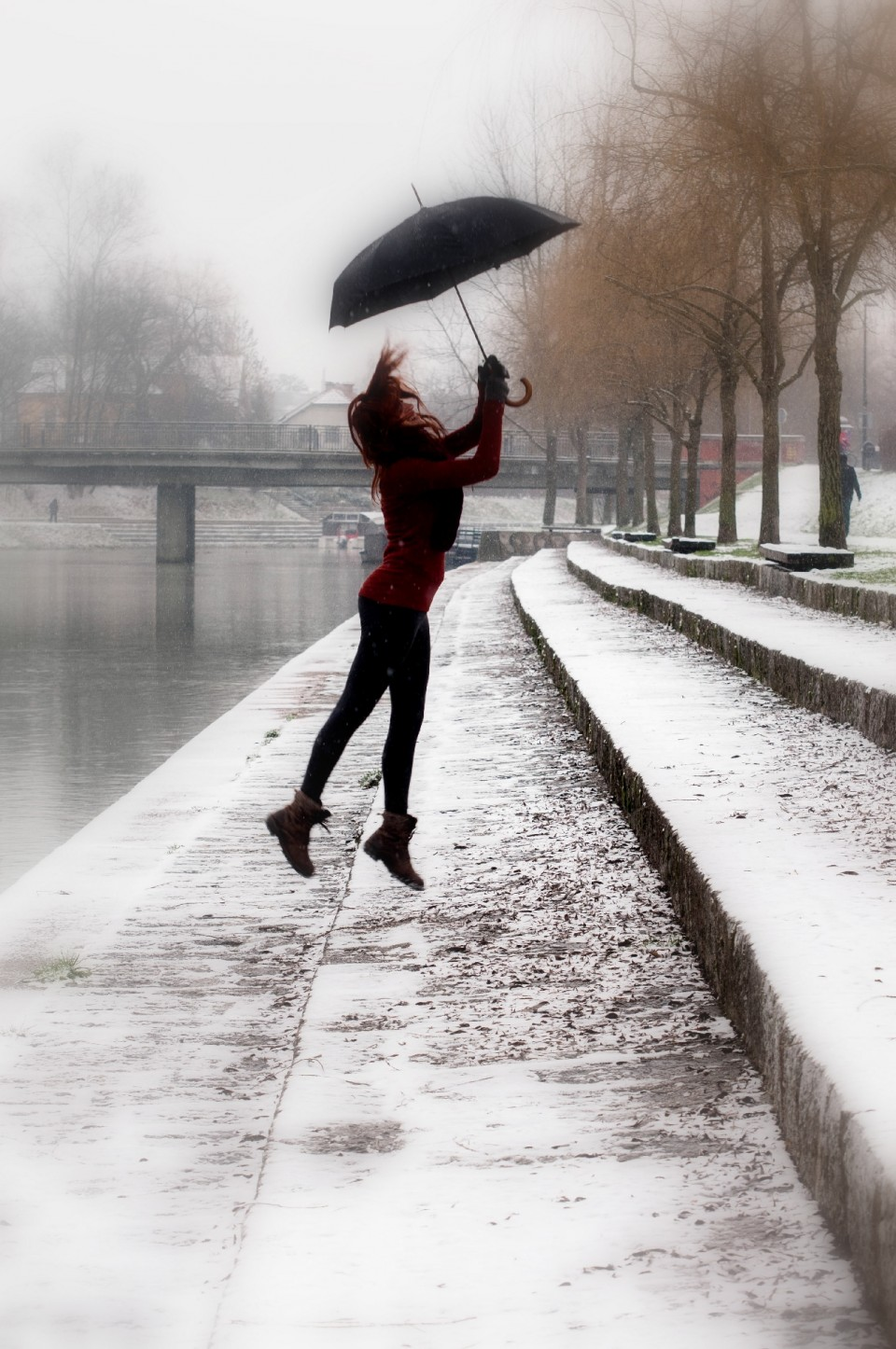 雨が降ったら傘を差し出しましょう