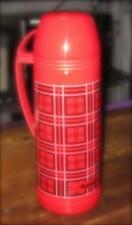 チェック柄の水筒