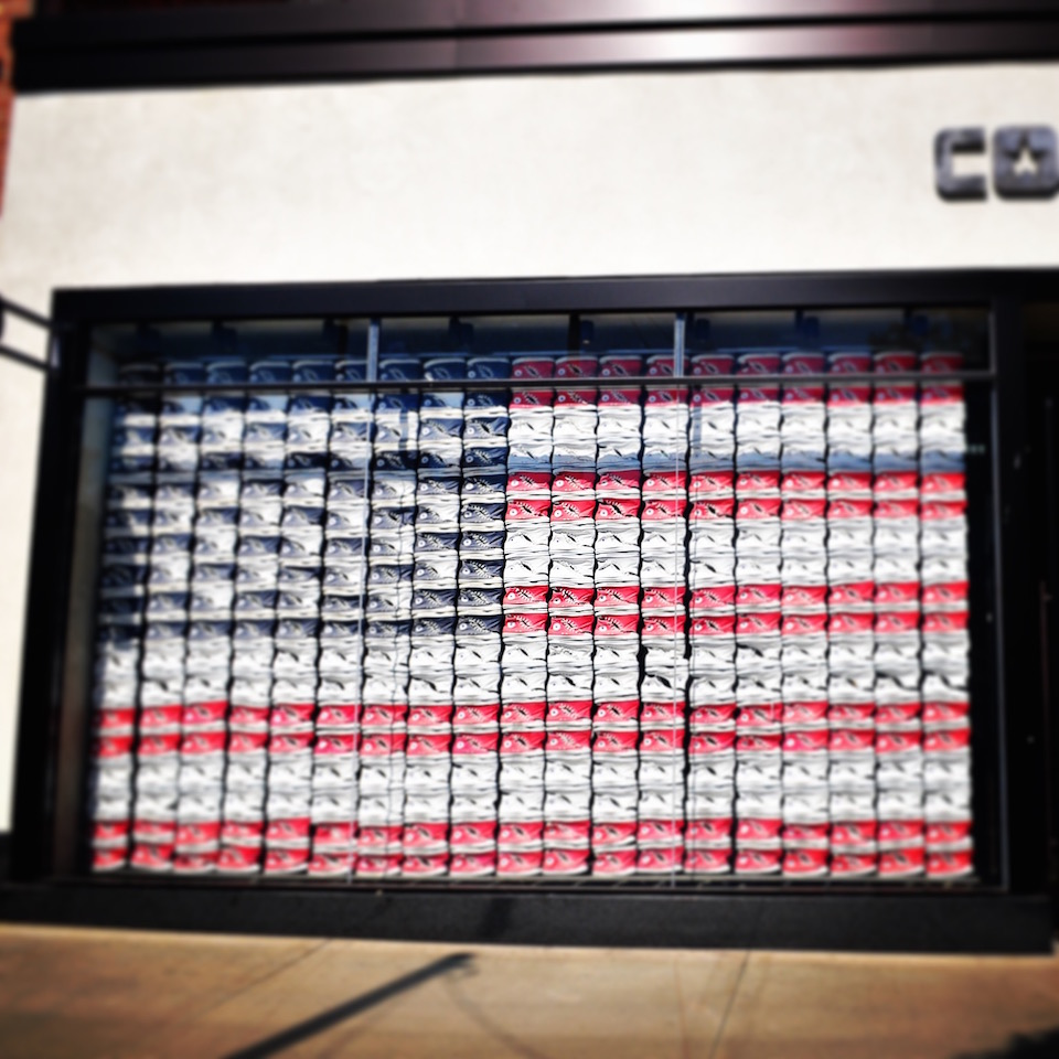 Converse Shopのウインドウ・ディスプレイ
