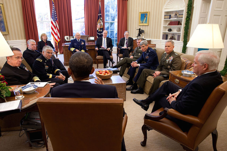 Obama_meets_with_Joint_Chiefs_about_DADT