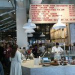 カフェ、ファッション、シューズ、ライフスタイル|アーバン・アウトフィッターズでの店舗体験